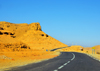 Biskra, Algeria / Alg�rie: wiggling road to oued El Abiod - photo by M.Torres | route de Oued El Abiod