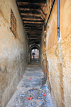 Algiers / Alger - Algeria: Devil's street - tunneling stairs - Kasbah of Algiers - UNESCO World Heritage Site | rue du Diable - escaliers dans un tunnel sale - Casbah d'Alger - Patrimoine mondial de l'UNESCO - photo by M.Torres