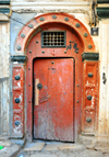Algiers / Alger - Algeria: Moorish door - Kasbah of Algiers - UNESCO World Heritage Site | porte mauresque - Casbah d'Alger - Patrimoine mondial de l'UNESCO - photo by M.Torres