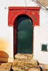 Algiers / Alger - Algeria: moorish door - green and red - Kasbah of Algiers - UNESCO World Heritage Site | porte mauresque - vert et rouge - Casbah d'Alger - Patrimoine mondial de l'UNESCO - photo by M.Torres