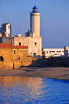 Algiers / Alger - Algeria: Ilot de la Marine - Admiralty / Pe�on lighthouse and the beach | �lot de la Marine - phare de l'Amiraut� / du Pe�on et la plage - Alger �tait nomm�e 'Al-Jaza'ir' (les �les) apr�s les �lots bordan la baie - photo by M.Torres