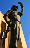 Algiers / Alger - Algeria: Monument of the Martyrs of the Algerian War - soldier with an AK-47 assualt rifle | Monument des martyrs de la guerre d'Algérie - soldat avec un fusil d'assaut AK-47 Kalachnikov - photo by M.Torres