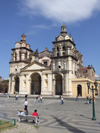 Argentina - Córdoba - the Cathedral and Plaza San Martin - images of South America by M.Bergsma