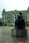 Asturias - Oviedo: Botero in the rain (photo by Miguel Torres)