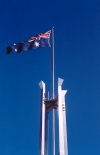 Australia - Canberra / Camberra (ACT): New Parliament House - flag pole - Australian flag (photo by M.Torres)