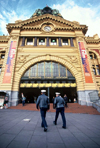 Australia - Melbourne (Victoria): Flinders street station - policemen - photo by  Picture Tasmania/Steve Lovegrove