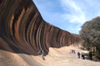 Hyden, Outback (WA): Wave Rock - Tourists - photo by B.Cain