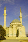 Azerbaijan - Baku: Turkish mosque - Martyrs mosque - Sunni mosque near Martyrs alley - Sahidlik Mascidi - photo by Miguel Torres