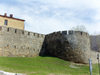 Sheki / Shaki - Azerbaijan: walls of the 'new' Sheki Fortress, built by Sheki khan Gadzhi Chelebi  - photo by N.Mahmudova
