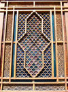 Sheki / Shaki - Azerbaijan: Sheki Khans' palace - external view of a shebeke window - wooden latticework assembled without nails or glue - Khansarai - photo by N.Mahmudova