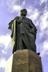 Azerbaijan - Baku: statue of poet Nizami Ganjavi, designed by Fuad Abdurahmanov - photo by M.Torres