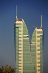 Manama, Bahrain: Bahrain Financial Harbour towers - BFH - Commercial East and Commercial West twin-towers - designed as sails set at opposing angles to symbolise the dual directions of the original 'entrances' to Bahrain, the country of the two seas - photo by M.Torres