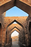 Manama, Bahrain: arches inside Portugal Fort - Qal'at al-Bahrain - Qal'at al Portugal - UNESCO World Heritage Site - photo by M.Torres