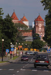 Mir, Karelicy raion, Hrodna Voblast, Belarus: Mir Castle and traffic - UNESCO World Heritage Site - photo by A.Dnieprowsky