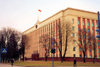 Belarus - Minsk: seat of power - Residence of President of the Republic of Belarus - architects V. Araksin, A. Voinov - former Central Committee of the Communist Party of Belarus - CPB - Central Gardens between Engels Street and Krasnoarmeiskaya Street (photo by Miguel Torres)