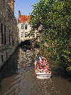 Belgium - Brugge / Bruges (Flanders / Vlaanderen - West-Vlaanderen province): boat tour of the canals of the Northern Venice - Unesco world heritage site - photo by D.Hicks