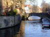 Belgium - Brugge / Bruges (Flanders / Vlaanderen - West-Vlaanderen province): canals - bridge - Unesco world heritage site (photo by M.Bergsma)