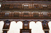 Bhutan - Windows and plenty of wood carvings - Ugyen Chholing palace - photo by A.Ferrari