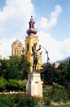 Bosnia-Herzegovina - Sarajevo: peace monument by the Serb Orthodox Cathedra (photo by M.Torres)