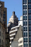 Brazil / Brasil - São Paulo: concrete - tall building in the city center / concreto / betão - photo by N.Cabana