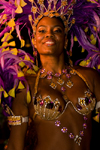 Rio de Janeiro, RJ, Brasil / Brazil: curvy Carnival dancer with feathered headdress - Mocidade Independente de Padre Miguel samba school / escola de samba Mocidade Independente de Padre Miguel - photo by D.Smith