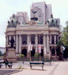 Brazil / Brasil - Rio de Janeiro: Municipal treater - teatro municipal e a praça Cinelândia / Municipal treater and Cinelândia Square - built in Carrara marble - architecture - landmark - arquitetura (photo by M.Torres)
