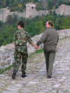 Veliko Tarnovo: uniformed couple on Tsarevets Hill (photo by J.Kaman)