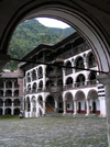 Rila Monastery: cloisters around the courtyard - Blagoevgrad region (photo by J.Kaman)