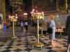 Bulgaria - Sofia: lighting candles - Aleksander Nevski Orthodox Cathedral (photo by J.Kaman)
