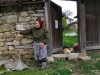 Arbanasi - Veliko Turnovo province: Old woman and her cat (photo by J.Kaman)