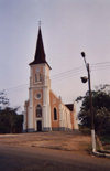 Africa - Lândana, Portuguese Congo - Cabinda: Church of the Catholic Mission, built in 1904 / Igreja da Missão Católica - Vila de Lândana - município de Cacongo - arquitectura religiosa (photo by FLEC)