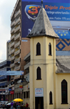 Cameroon, Douala: Bonalembe church, a Baptist temple - Boulevard De La Liberte - photo by M.Torres
