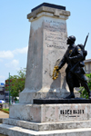 Cameroon, Douala: Government Square with the 1919 French monument honouring those fallen for France and the Allies in the Cameroon campaign of World War I - obelisk and statue of French sargeant - Place du Gouvernement, Le monument aux Morts - photo by M.Torres