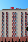 Cameroon, Douala: Hotel Ibis Douala, Accor group, rue Pierre Loti, Bonanjo - photo by M.Torres