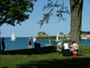 Niagara on the Lake, Ontario, Canada / Kanada: picnic by the water - photo by R.Grove