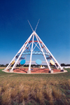 Canada / Kanada - Medicine Hat, Alberta: the world's largest teepee - photo by M.Torres