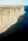 Canada - Prince Leopold island (Nunavut): flying over the cliffs (photo by G.Frysinger)