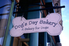 Canada / Kanada - Victoria (BC): a bakery for dogs - photo by F.Rigaud
