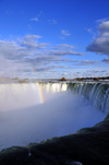 Niagara Falls, Ontario, Canada: rainbow at Horseshoe Falls - view from the edge, near Table Rock - photo by M.Torres