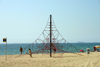 Catalonia - Barcelona: web on the beach - climbing structure - leisure area at Platja de la Barceloneta - photo by C.Blam