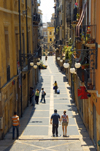 Tarragona, Catalonia: pedestrian street in the old city - photo by B.Henry