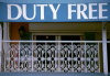 Grand Cayman - George Town: duty free shop - tax free - photo by F.Rigaud