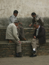 Kunming, Yunnan Province, China: playing draughts - two layers - photo by M.Samper