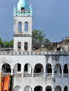 Moroni, Grande Comore / Ngazidja, Comoros islands: Old Friday Mosque - minaret and arches - Ancienne mosquée du Vendredi - photo by M.Torres