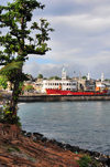 Moroni, Grande Comore / Ngazidja, Comoros islands: tree and old port seen from the corniche - photo by M.Torres