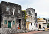 Moroni, Grande Comore / Ngazidja, Comoros islands: old houses by the port - Blv El Marrouf - photo by M.Torres