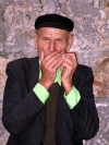 Croatia - Dubrovnik: harmonica busker in the old city (photo by R.Wallace)