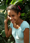 Cuba - Holguín province - girl in blue - portrait 300 dpi PICT3990 - photo by G.Friedman
