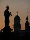 Prague, Czech Republic: Charles bridge at dawn - Saint silhouette - photo by J.Kaman