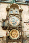 Czech Republic - Prague / Praha: the Astronomical Clock by Nikolaus von Kaaden (Staromestska radnice a orloj) - photo by Miguel Torres